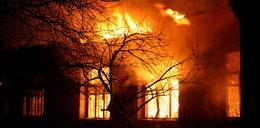 Spłonęła hurtownia zabawek, z ogniem walczyło kilkudziesięciu strażaków