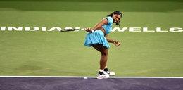 Mistrzyni tenisa uczy potrząsać pupą! FILM