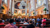 Ksiądz wyznał kobiecie miłość podczas mszy. Biskup i wierni osłupieli