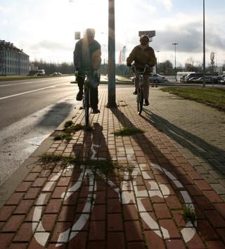 Obowiązkowe kaski rowerowe dla dzieci - Senat wprowadza poprawkę do prawa o ruchu drogowym