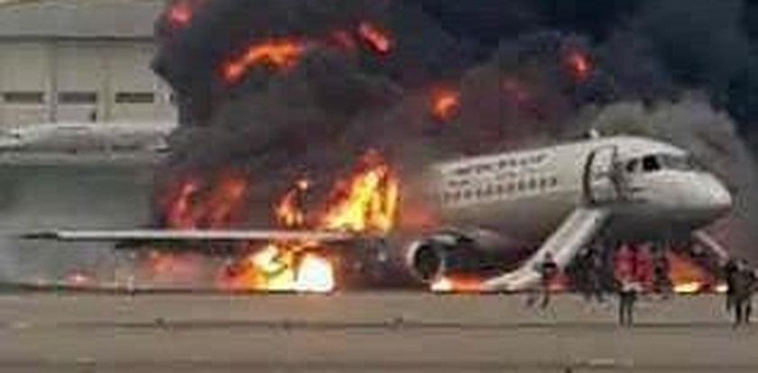 Pilnował, by opuścili płonący samolot. Sam już z niego nie wyszedł