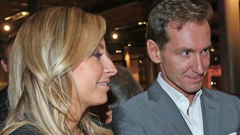 Pierwsze doniesienia o kryzysie w małżeństwie Piotra Kraśki pojawiły się w mediach dwa miesiące temu. Wówczas to dziennikarz został przyłapany na wspólnym wypadzie nad morze z przyjaciółką domu, Małgorzatą Rozenek.