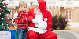 Nie zmuszaj dziecka do zrobienia zdjęcia z Mikołajem! Możesz poważnie mu zaszkodzić