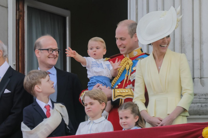 Kejt Midlton i princ Vilijam sa decom