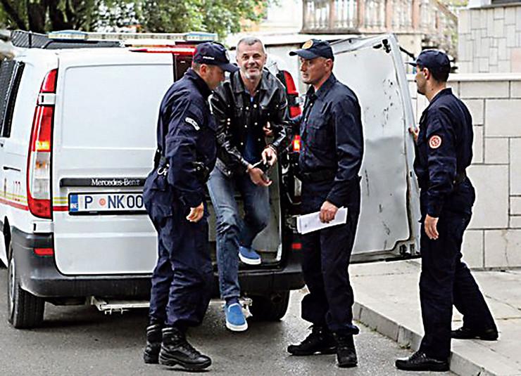 U Vuletića smrtonosne hice ispalio Vuk Lalatović (20), pa se sumnja da je u pitanju naručeno ubistvo
