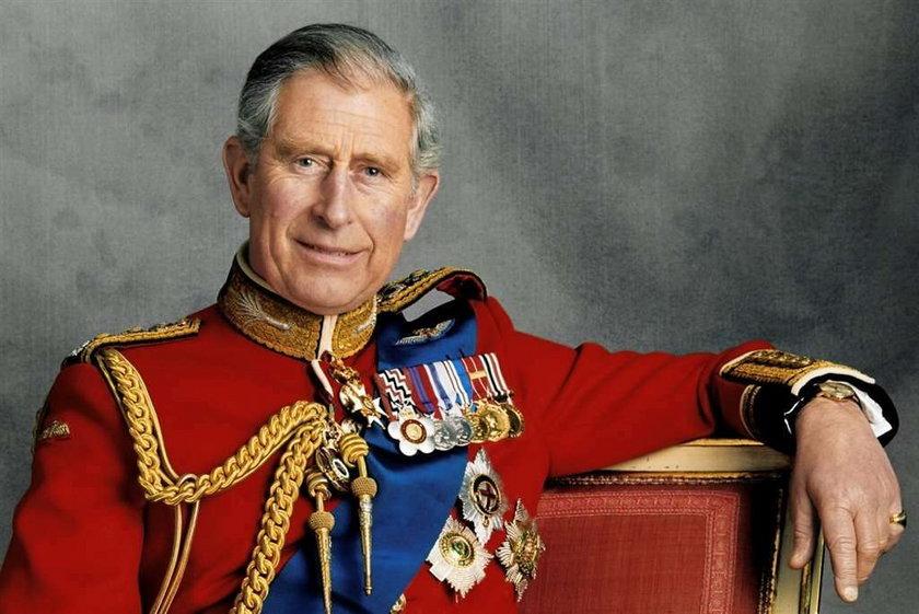Książę Karol gejem! Brytyjczycy w szoku!
