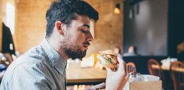 Odwiedzasz fast foody zaraz po otwarciu? Nigdy więcej tego nie rób!