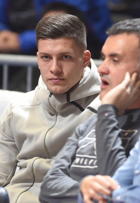 Luka Jović, dete crveno-belih i fudbaler Ajntrahta, iz prvog reda je posmatrao susret Crvene zvezde i Monaka