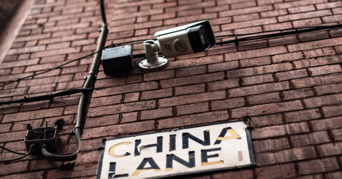 China zwingt Touristen, Überwachungs-App zu installieren