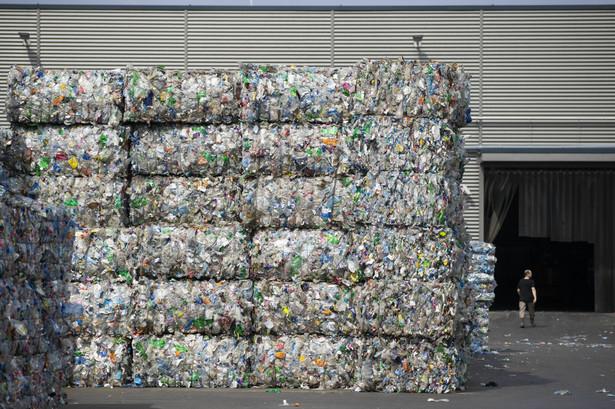 Recykling plastikowych butelek