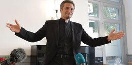 Charamsa wciąż jest księdzem? Teolog gej znów szokuje