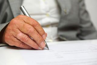 Samorząd: Jakie kompetencje mają gminne rady seniorów?