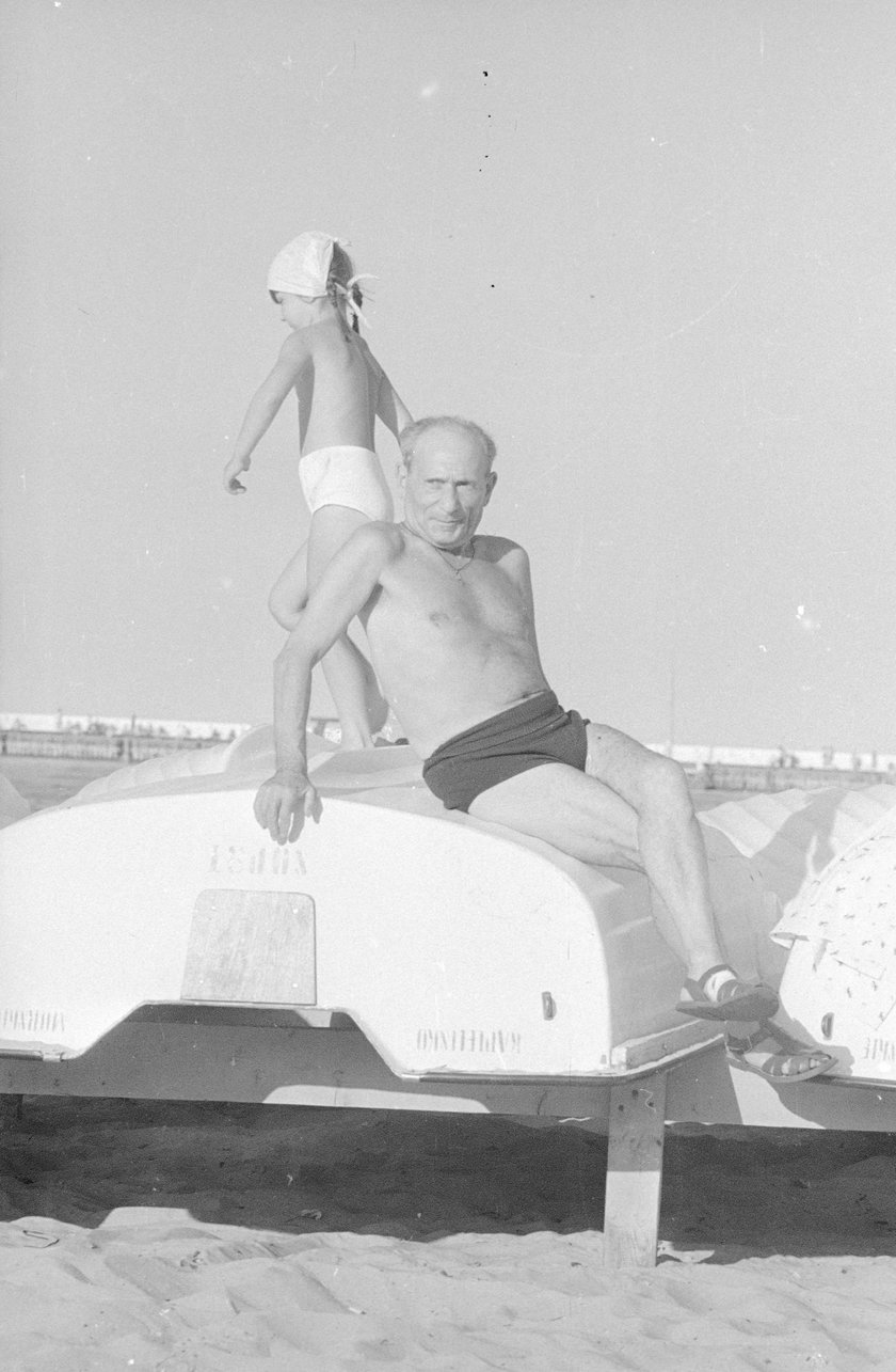 Pisarz Julian Stryjkowski w Sopocie - 1975 r.