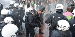 """""""Witamy w piekle"""". Starcia policji z demonstrantami przed szczytem G20 w Hamburgu"""
