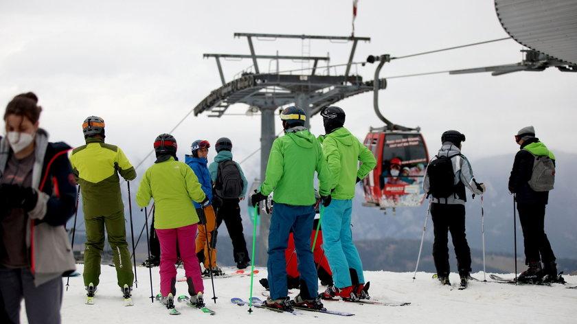 Mimo zakazów pojechali na narty