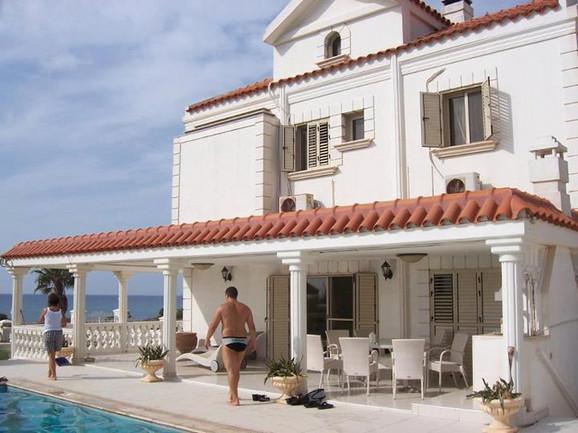 Cecina kuća u Aja Napi na Kipru
