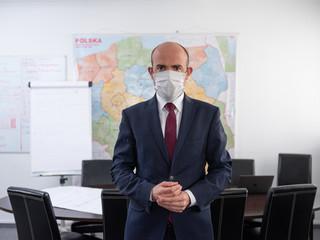 Budka: Zamiast rządu, który ma wizję, jak zmierzyć się z kryzysem, mamy prezentacje w PowerPoincie Morawieckiego [WYWIAD]