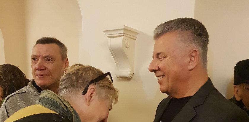 Wigilia dla bezdomnych w Warszawie. Znany aktor wraz z żoną zaśpiewają kolędy