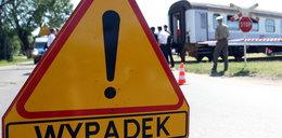 Tragedia na niestrzeżonym przejeździe kolejowym. Nie żyją dwie osoby