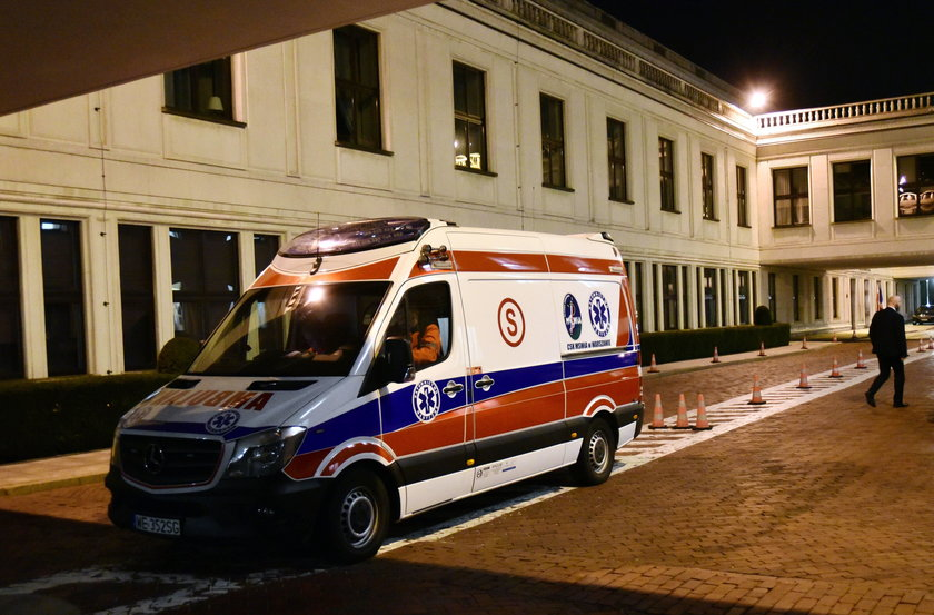 Senat zamawia dwa ambulanse dla senatorów