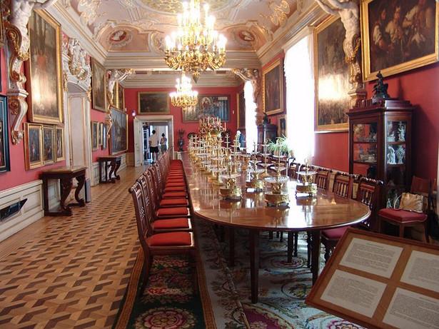Wśród pozostałych prac, zaplanowanych w ramach projektu jest m.in. przeprowadzenie digitalizacji zbiorów, promocja placówki oraz działania edukacyjne. Jak zauważyli organizatorzy, realizacja prac projektu wiązać się będzie z szeregiem problemów, związanych z ruchem turystycznym. Muzeum Pałacu Króla Jana III w Wilanowie, fot. Grippenn / Wikimedia Commons, lic. Creative Commons CC-BY-SA-2.5