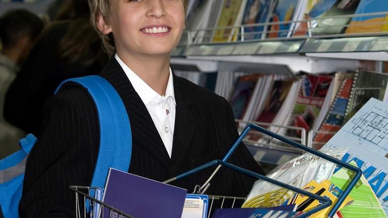 Większość uczniów już kompletuje wyprawkę szkolną.