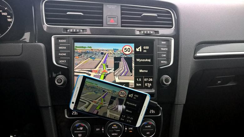 W ramach MirrorLink użyjeszróżnych aplikacji (nawigacji, odtwarza-cza muzyki) i zapłacisz za zakupy