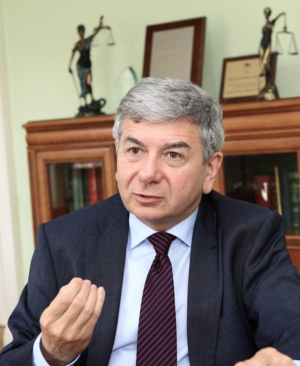 Maciej Bobrowicz, prezes Krajowej Rady Radców Prawnych, mediator gospodarczy i sądowy