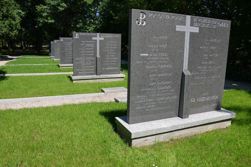 Odnowiony cmentarz Powstańców Warszawy