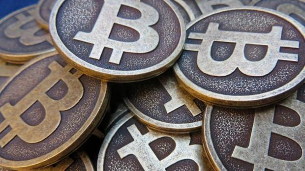 Wszystkie transakcje dokonywane za pomocą kryptowalut mają miejsce w sieci P2P, są publiczne i kryptograficznie zabezpieczone
