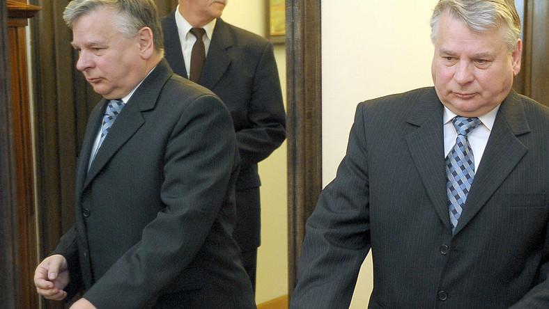 """Borusewicz: """"Partie wyrzucają pieniądze w błoto"""""""