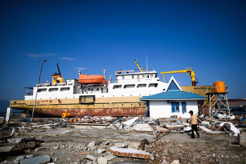 Tsunami porwało statek. To co się z nim stało zdumiewa!