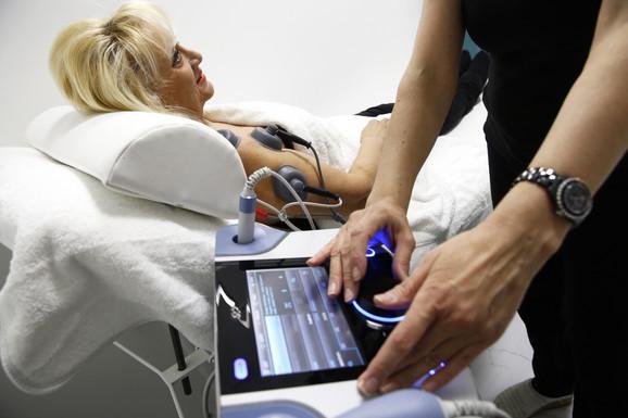 U odnosu na vrstu problema i tegoba, bol se može lečiti fizikalnom terapijom, terapijom