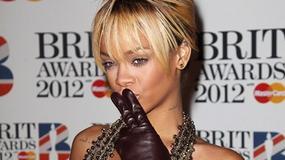 Rihanna nie lubi staników...