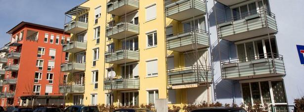 """W tym roku na popularności zyskały mieszkania gotowe, a straciły te na etapie tzw. """"dziury w ziemi""""."""