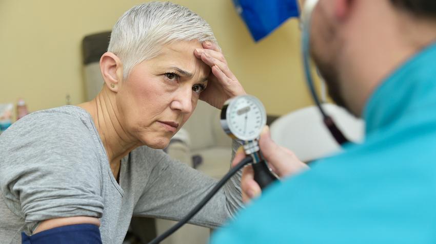 magas vérnyomás artériás tünetek mozgásbetegség magas vérnyomás