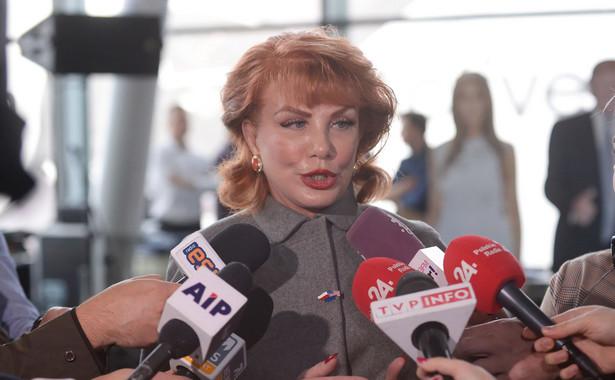Drogi prezydencie Putin - Hitler i Stalin zmówili się, by rozpocząć II wojnę światową. To jest fakt. Polska była ofiarą tego okropnego konfliktu - podkreśliła w poniedziałek ambasador USA w Polsce Georgette Mosbacher.