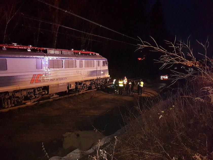 Wykoleił się pociąg relacji Szczecin-Katowice. Lokomotywa odjechała