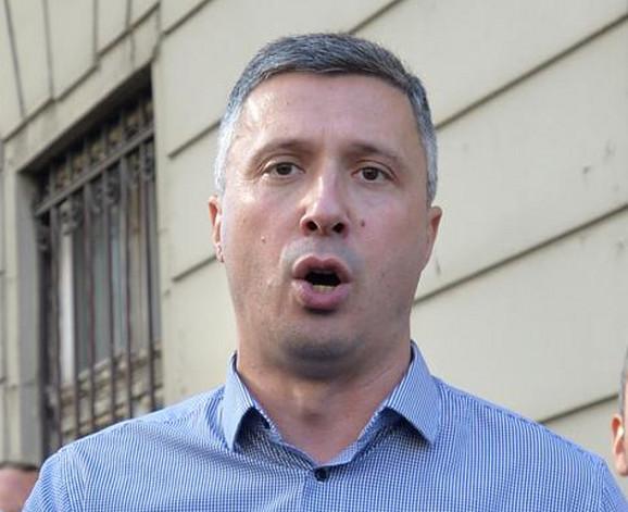 Lider Dveri Boško Obradović