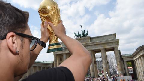 Niemcy, obecni mistrzowie świata w piłce nożnej, sprzeciwiają się nowym regulacjom FIFA