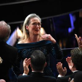 Oscary 2017: Meryl Streep zagrała na nosie Karlowi Lagerfeldowi. W czyjej kreacji zachwyciła na salonach?