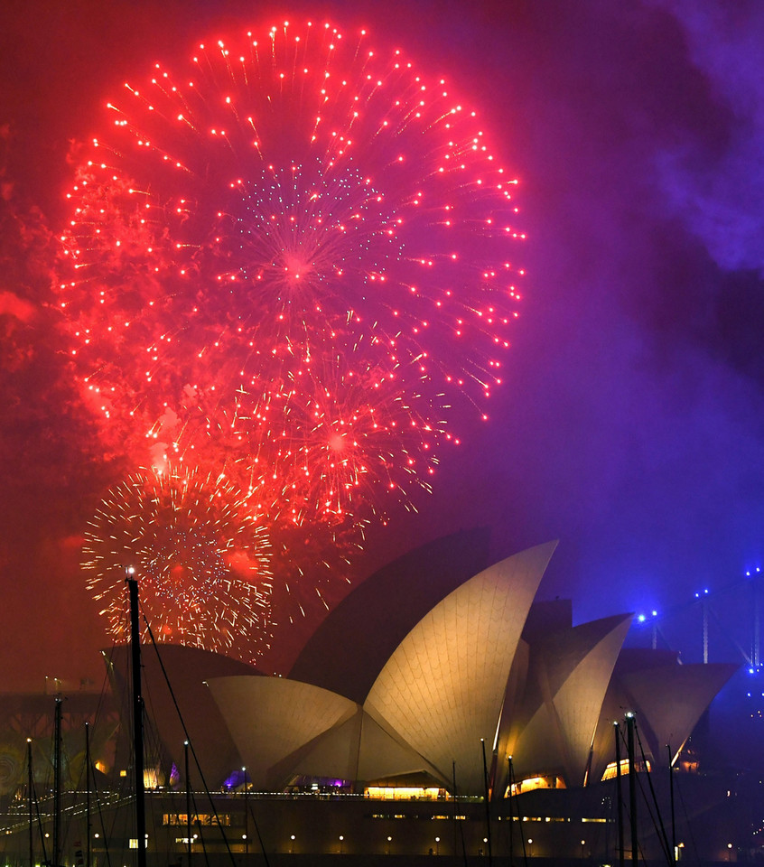 epa06410961 - AUSTRALIA NEW YEAR (New Year's Eve celebrations in Sydney)