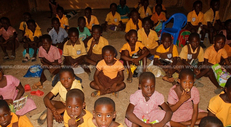 Pathetic state of Bolgatanga school where pupils sit on bare floor