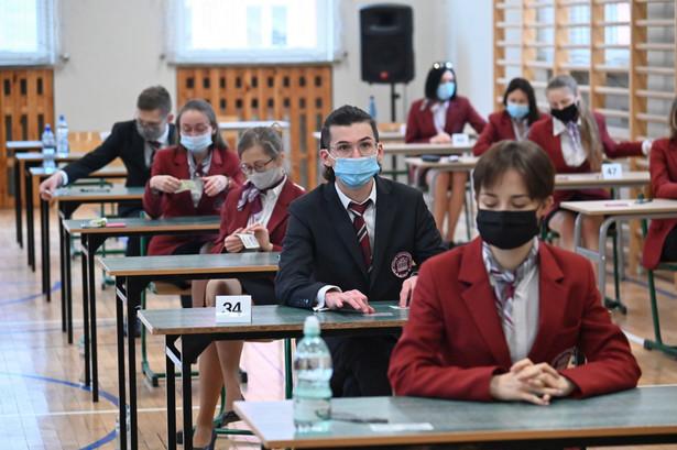Egzamin z matematyki na poziomie podstawowym trwał 170 minut