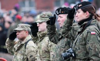 Błaszczak: Trwają rozmowy o stałych bazach wojsk USA w Polsce