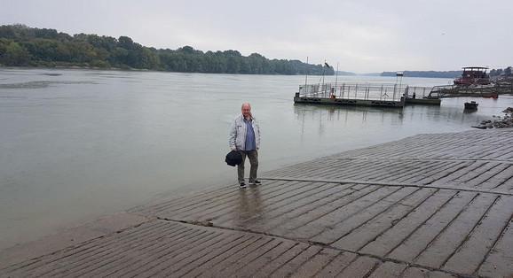 Ekehard Valter na mestu kod Mohača gde je ušao u hladan Dunav