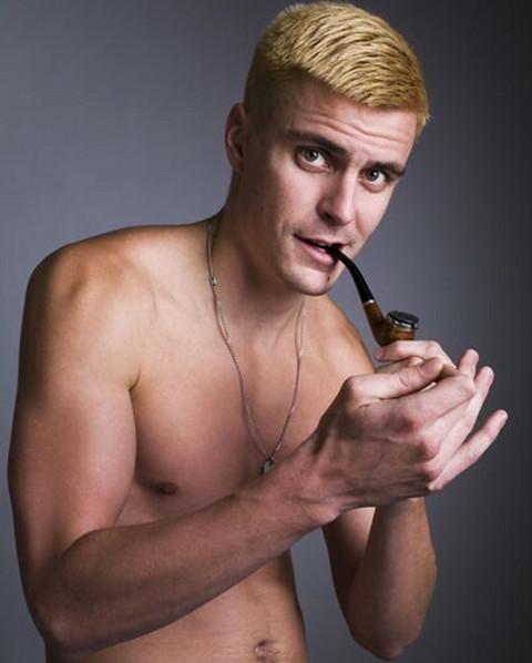 Vuk Kostić: Želim da budem gej!