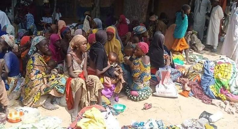 Police rescue 187 abductees from  bandits in Zamfara. [Twitter/@ankaboy]