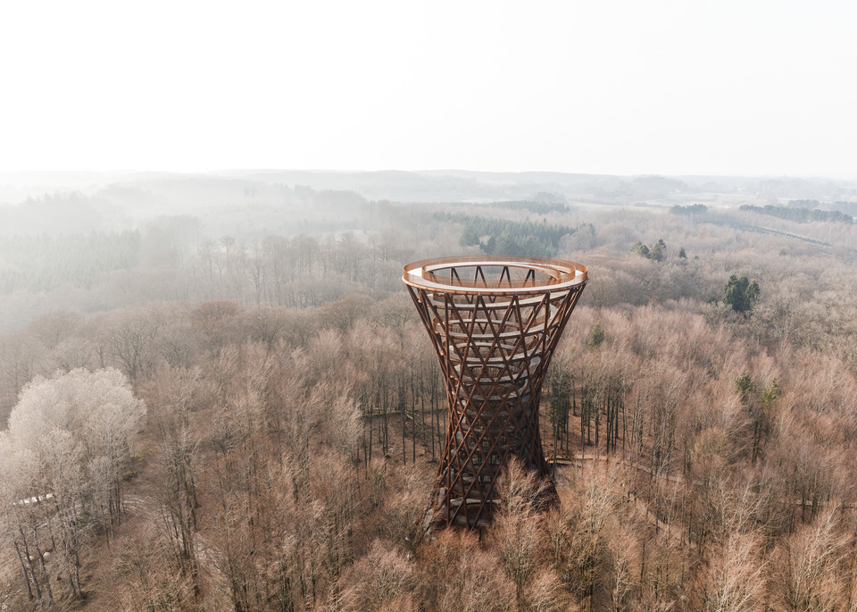 Wieża Forest Tower w Camp Adventure