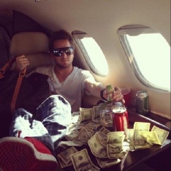 Ako želite da uspete sami, ne smete da se bahatite, već da novac ulažete dalje